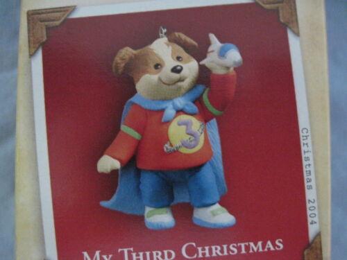 2004 Hallmark MY THIRD CHRISTMAS Ornament BOY DOG PUPPY WITH CAPE Child/'s Age