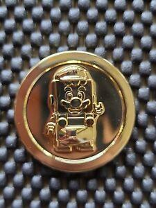 NINTENDO-LEGO-SUPER-MARIO-Hong-Kong-TOYS-R-US-PROMO-coin-medal-Gold-Version-RARE