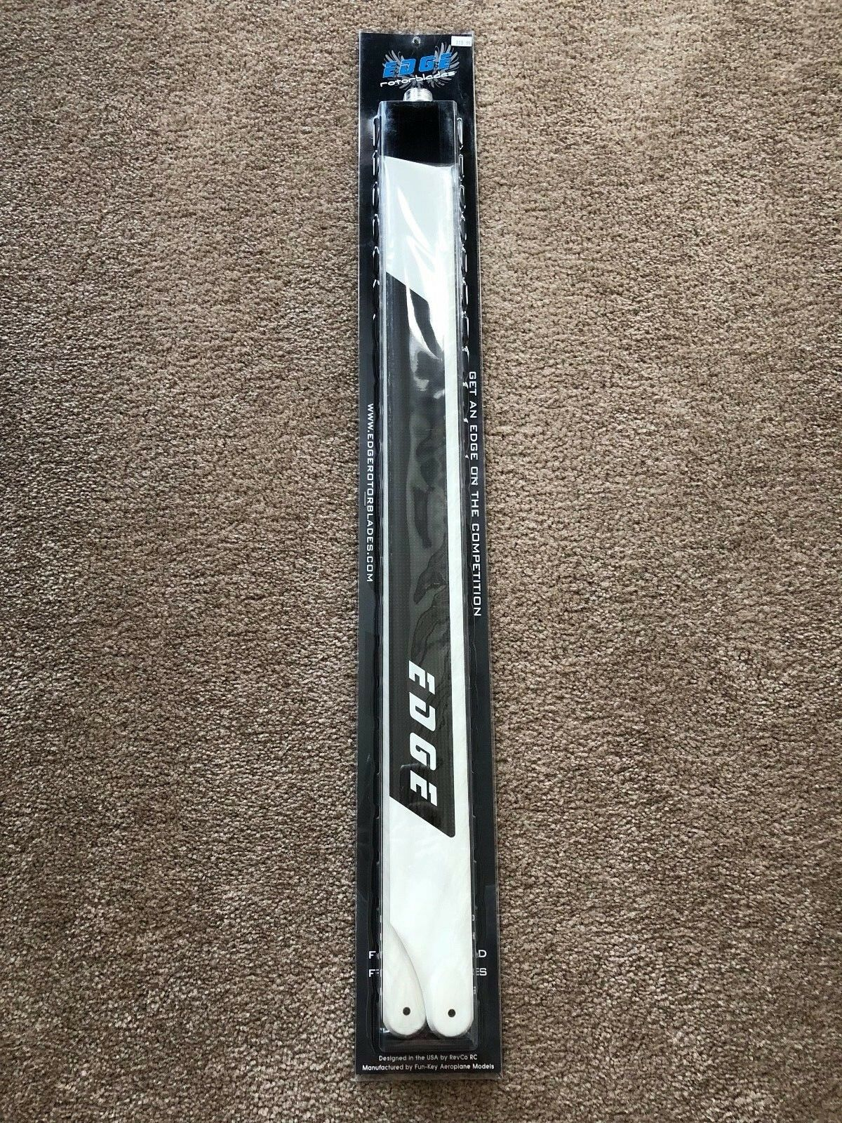 Brand New Edge redorblades LE-693FB 693mm Premium CF Blades - Flybar Version