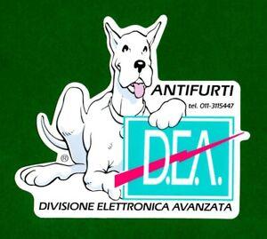 ALTER-AUFKLEBER-ADESIVO-STICKER-D-E-A-ANTIFURTI-ANNI-039-80-VINTAGE-10x9-cm