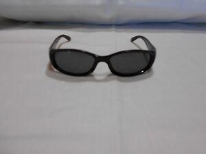 0715c0aa2cdde Gucci Óculos de sol lentes armações Preto Escuro tons Grande 4 3 4 ...
