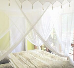 Image is loading Super-King-Size-Cotton-Mosquito-Net-Bed-Canopy-  sc 1 st  eBay & Super King Size Cotton Mosquito Net Bed Canopy DecorativeTop 100 ...