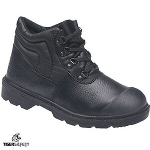 Himalayan 2417 S1P SRC Black Leather Steel Toe Cap Bump Cap Chukka Safety Boots