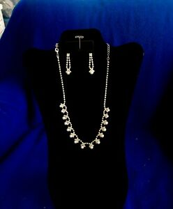 Rhinestone-Necklace-and-Earring-Set-with-Pearls