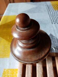 Ancienne Boule d'escalier en bois