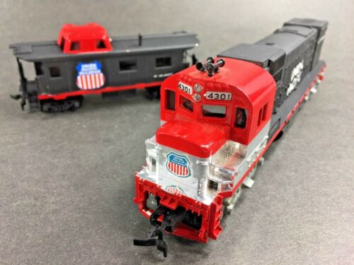 Tyco Vintage Union Pacific Engine Caboose RARE Paint Combo HO