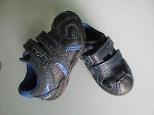 Clarks-First-Shoes-Boys-Size-4-F-Blue-Mix-Trainers