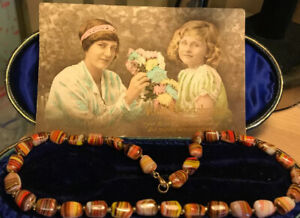 BEAUTIFUL-VINTAGE-ART-DECO-MARBLED-MURANO-GLASS-BEADED-NECKLACE
