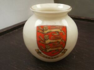 MODEL-OF-A-VASE-CRESTED-JERSEY-BY-W-H-GOSS-CHINA