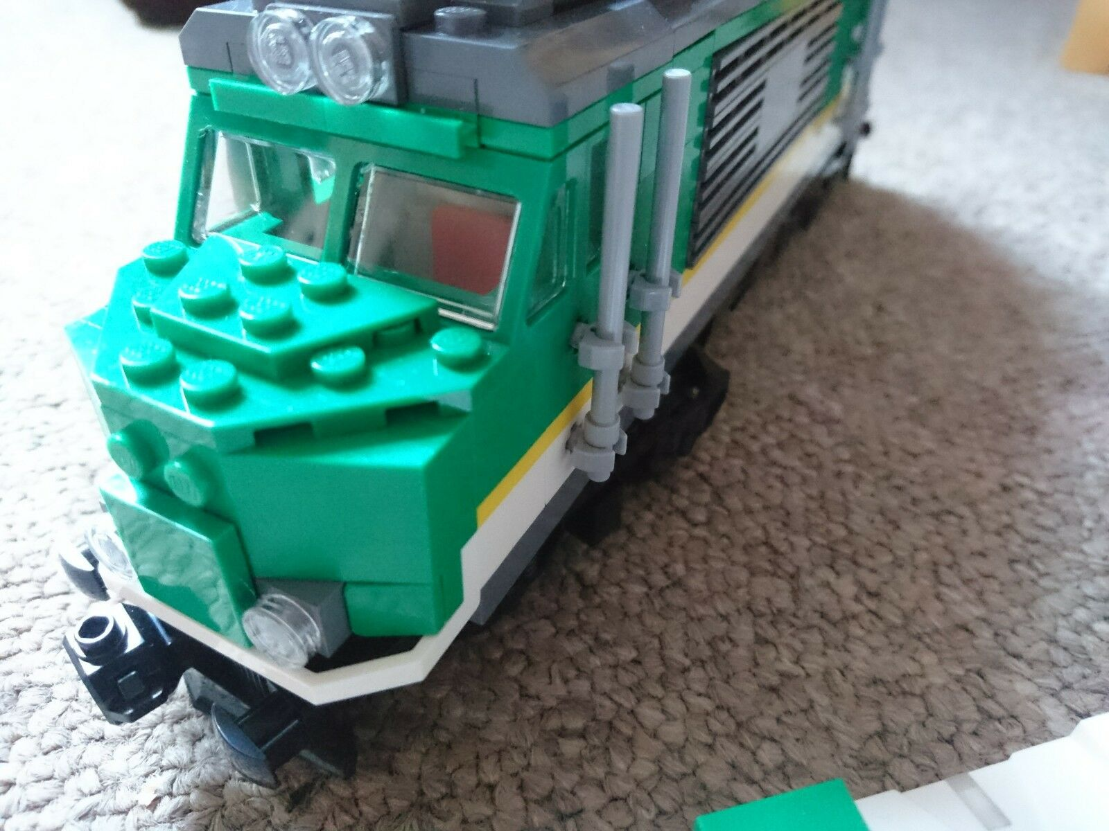 Lego train 60198 Locomotive mint condition powerot up Blautooth
