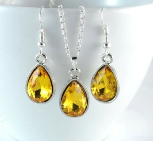 SMALL TEAR DROP SILVER TONE FACETED ACRYLIC CRYSTAL NECKLACE /& EARRING SET