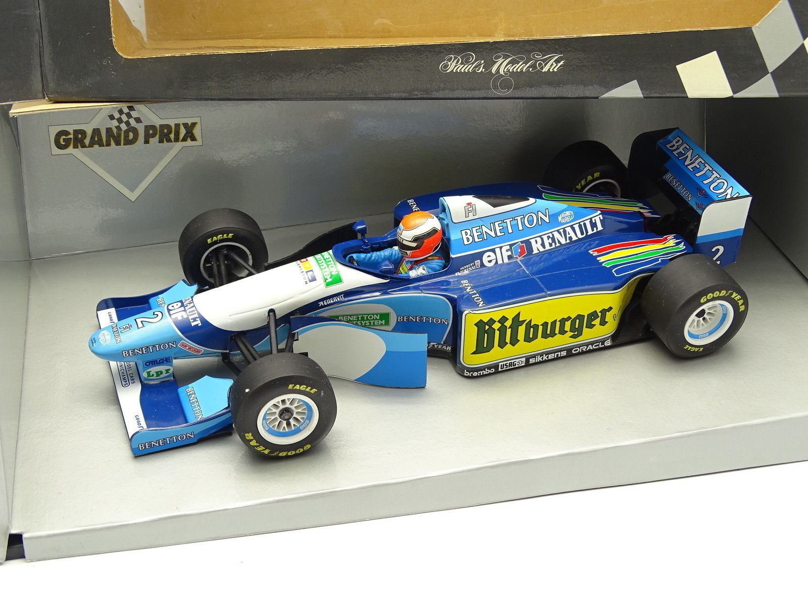 Minichamps 1 18 - F1 Benetton Renault B194 5 Showcar 1995 Herbert