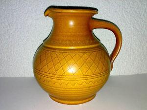 Vase-Krug-Wilhelm-Kagel-Keramik-Hellbraun-Ritzdekor-Henkel-Willi-WKP-Garmisch