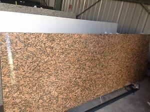 GRANITE-BENCHTOP-BRAZILIAN-GIALLO-FIORITO-2600-X-600-X-20mm