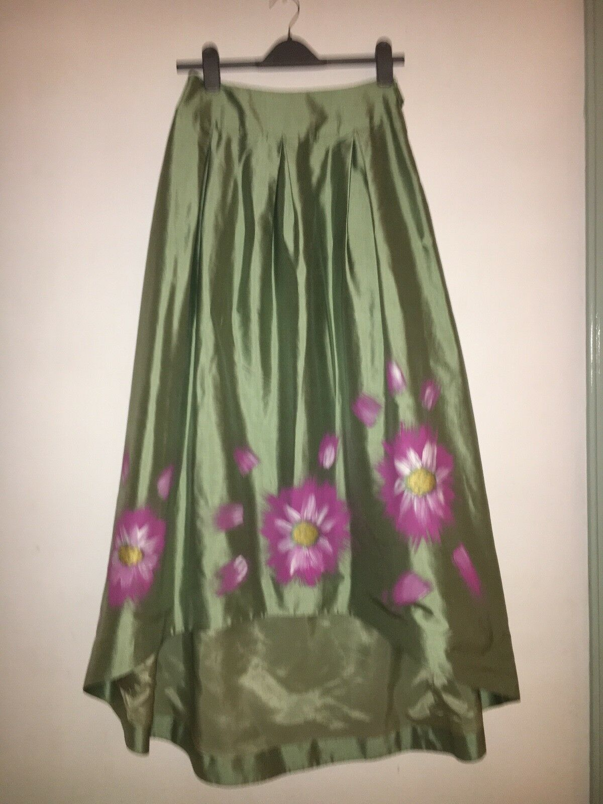 Laura Bernal Silk Tafeta Skirt Size 10 Green with Hand-Painted Flowery Pattern