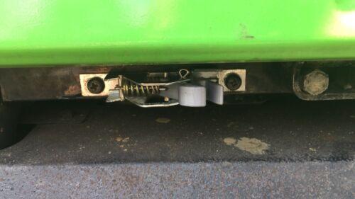 Deutz Dx Agrostar Motorhaubenverschluss Ersatzteil
