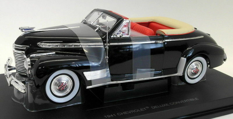 EAGLES RACE 1 18 échelle moulé sous pression - 3022518 1941 Chevrolet Deluxe Convertible Noir