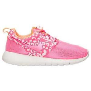 online retailer 0ef85 acabb Image is loading Girls-Junior-NIKE-ROSHE-ONE-Print-Pink-Trainers-
