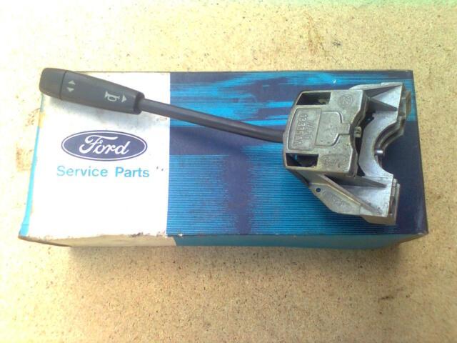 Ford Fiesta I Lenkstockschalter Blinkerschalter 77FG13335AA NEU NOS