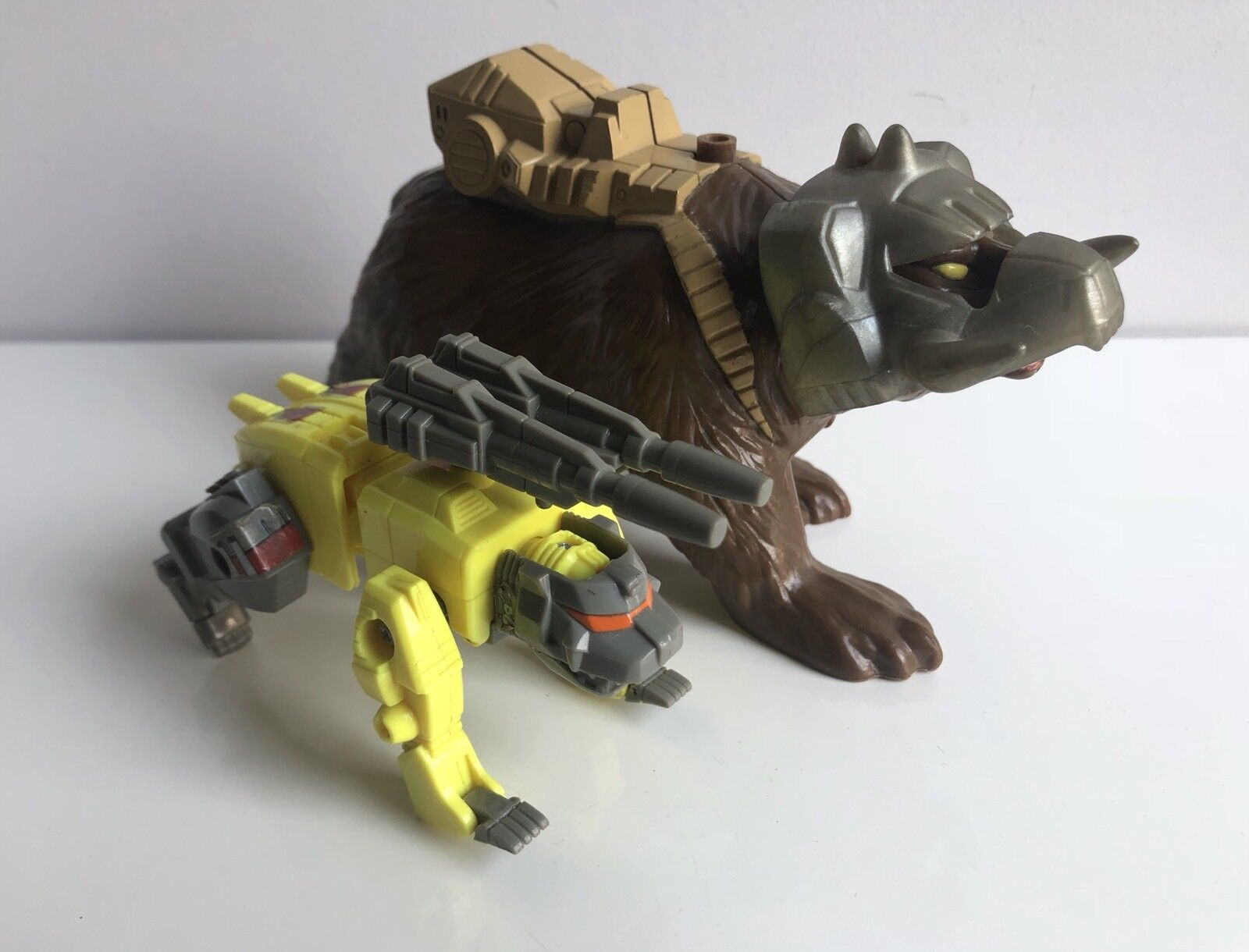 Transformers G1 Chainclaw Pretenders 100% COMPLETE C8