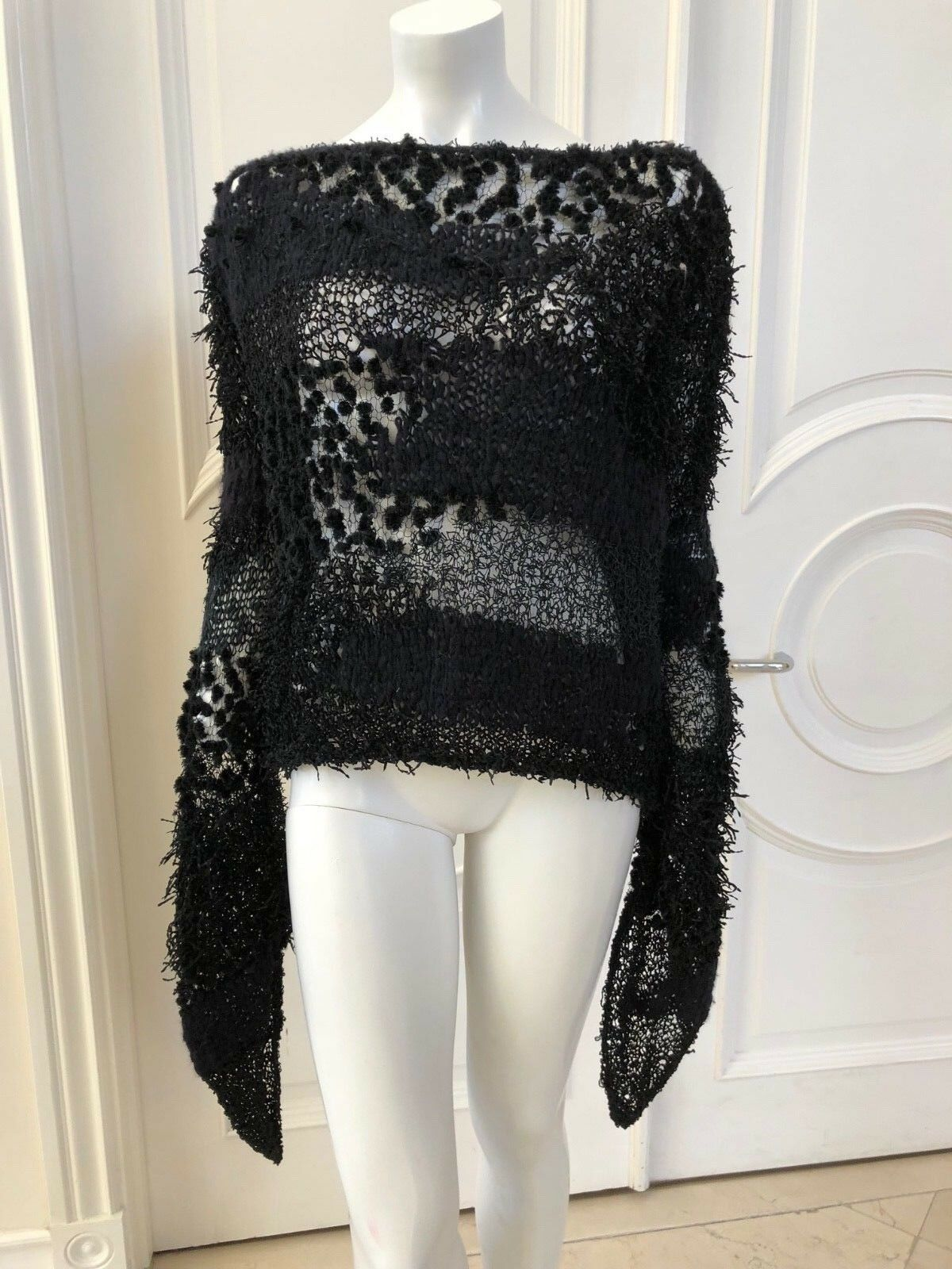 Frank Tell Sweater Hand Knit Sz M L Worn 1 Time  Retails for  900  GREAT BUY