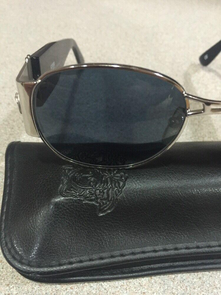 Gianni Versace Vintage Sunglasses MOD. S67 - image 10