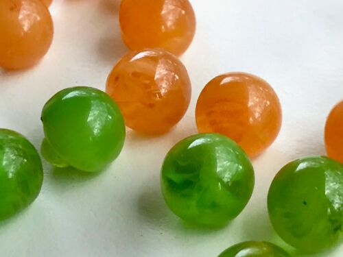 100 Vintage Bakelite Green /& Pink Semi-Translucent Buttons New Old Stock
