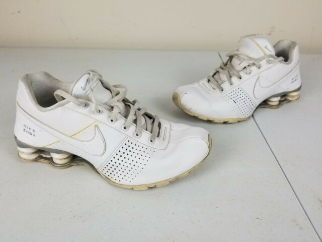 Nike Shox 318130-111 Training Running Shoes White Leather 2011 Sz 6.5Y / 39 EUR