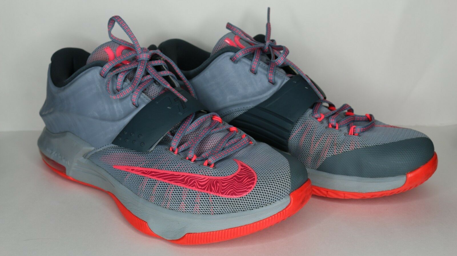 Nike Zoom KD7 A Calm Before the Storm Men's size 9.5 Great Condition WITH BOX