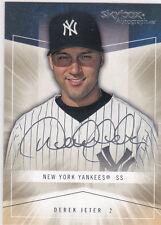 DEREK JETER Skybox AUTO SIGS Baseball Card Autograph ics NEW YORK YANKEES
