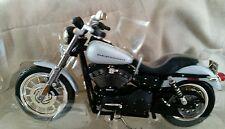 HARLEY DAVIDSON 2002 DYNA SUPER GLIDE SPORT DIECAST MOTORCYCLE