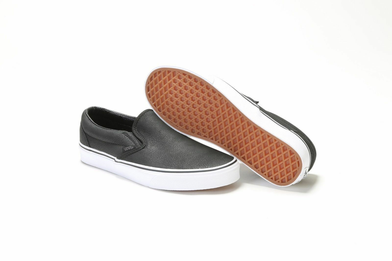 VANS CLASSIC SLIP-ON PREMIUM LEATHER BLACK TRUE WHITE Soft Suede