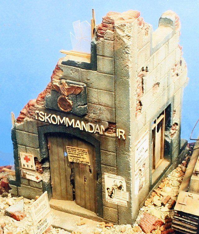 Verlinden 54mm 1 35 Ruined Ortskommandantur Town HQ Section WWII 102 (MDA 35007)