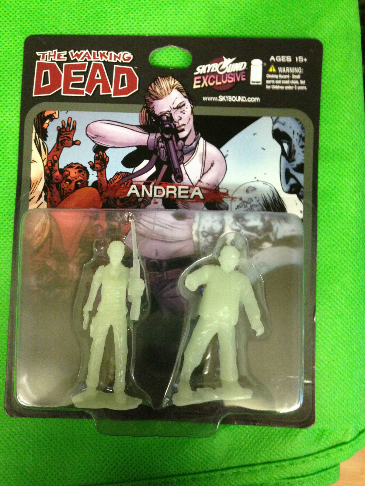 SDCC 2014 The Walking Dead Skybound Andrea Glow in the Dark GID 500 A  Rare