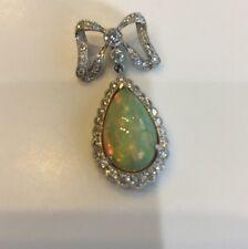 18 Ct Opal And Diamond Pendant