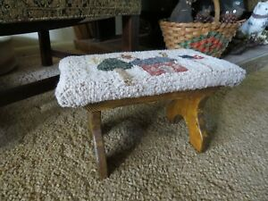 Enjoyable Details About Vintage Wooden Foot Stool With Hand Hooked Top Americana Folk Art Dailytribune Chair Design For Home Dailytribuneorg