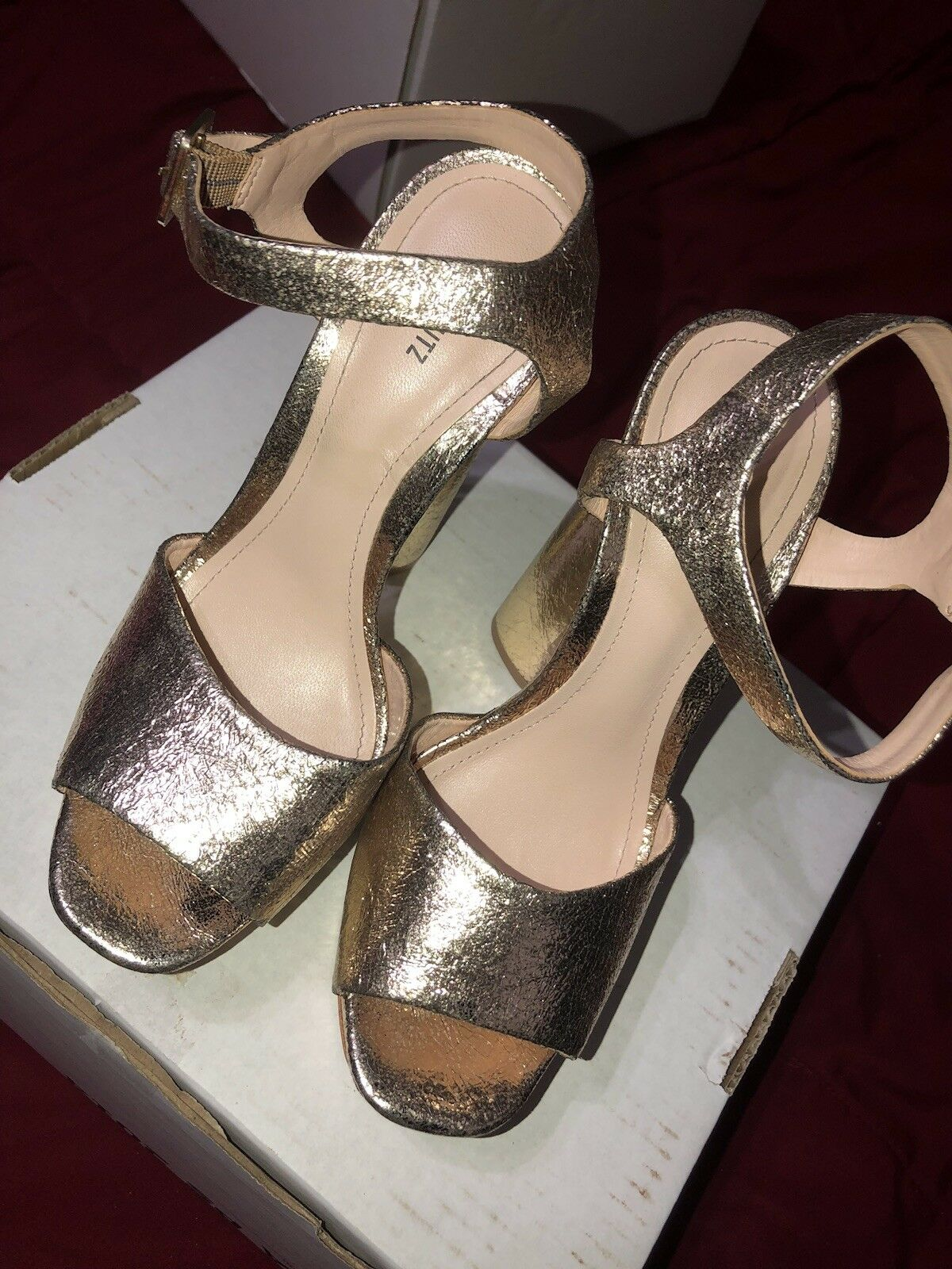 Jane schutz Platform In Platina Gold Größe 6.5 open Toe Chunky heel