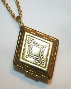 Lovely-Goldtone-Rhombus-Diamond-Shaped-Swirled-Locket-Necklace