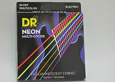 DR Schwarzlicht Saiten The Luminescent String color NMCE-10 Komplettsatz 6saitig
