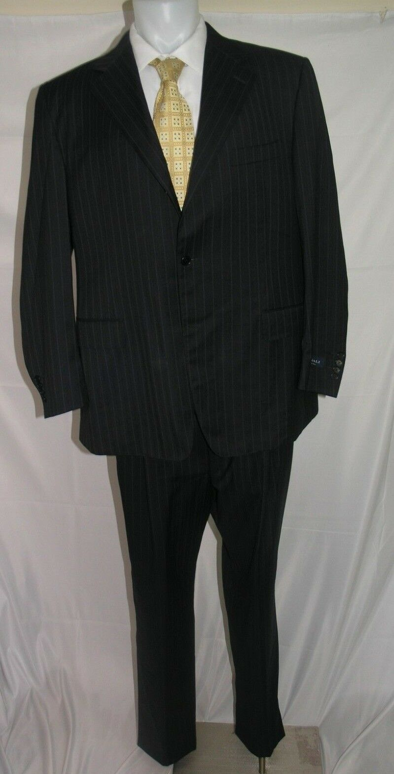 Canali Three Roll Two Suit 48 L 39 W NWD