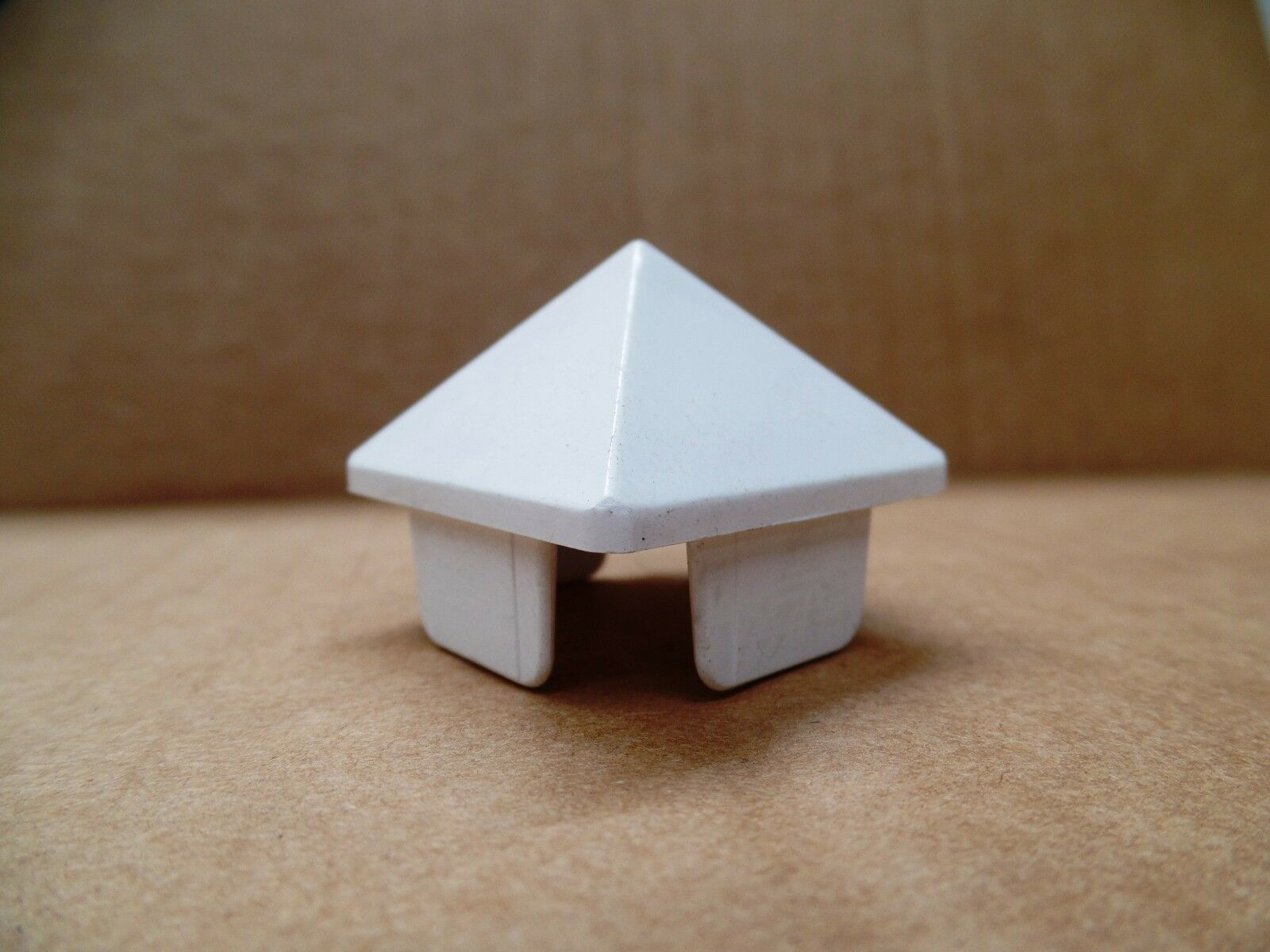 """12pc PVC Vinyl Fence Pyramid Point for 1-1//2/"""" x 1-1//2/"""" picket Picket Caps"""