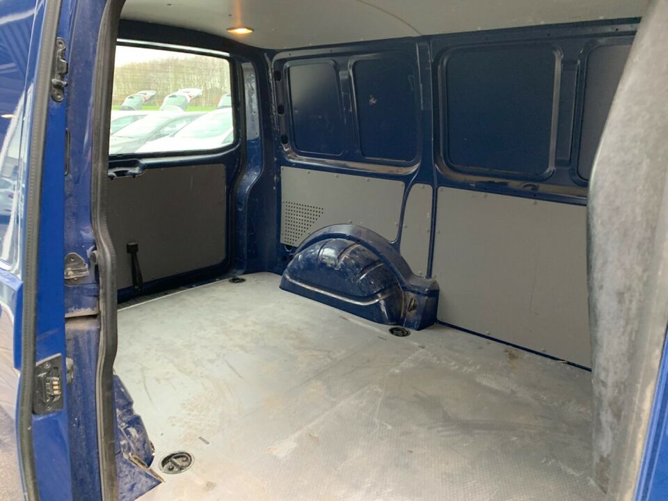 VW Transporter 2,0 TDi 84 Kassevogn kort Diesel modelår