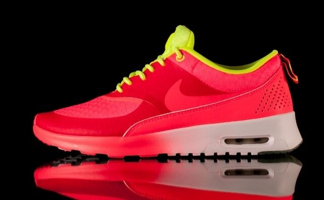AUTHENTIC NIKE Air Max Thea QS Atomic Red White Volt Free 627249 600 Women size