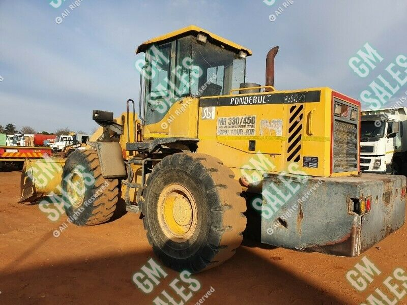 2015 Rondebult RB842-2 Front End Loader R335,000 excl Betsie 082594902