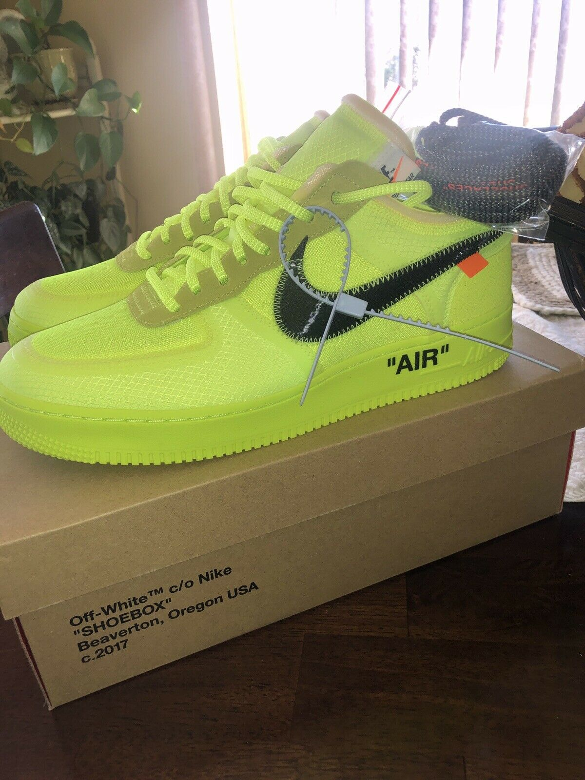 Nike Air Force One Off White Volt Sz 12 DS