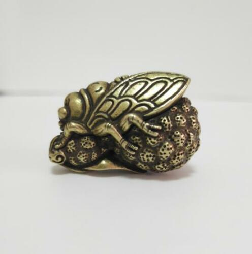 China brass Carved Golden cicada small pendant