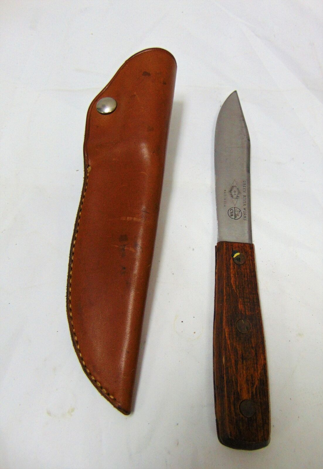 Vintage Russell Green River Works Vintage Hunter Style Knife w Leather Sheath