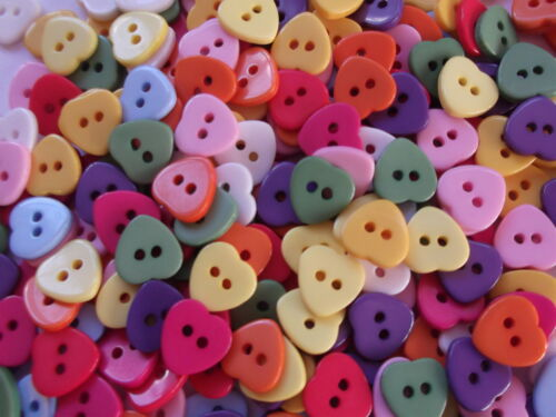 40 x HEART SHAPE  2 HOLE RESIN 11MM  SEWING BUTTONS CRAFT ETC., SCRAPBOOKING