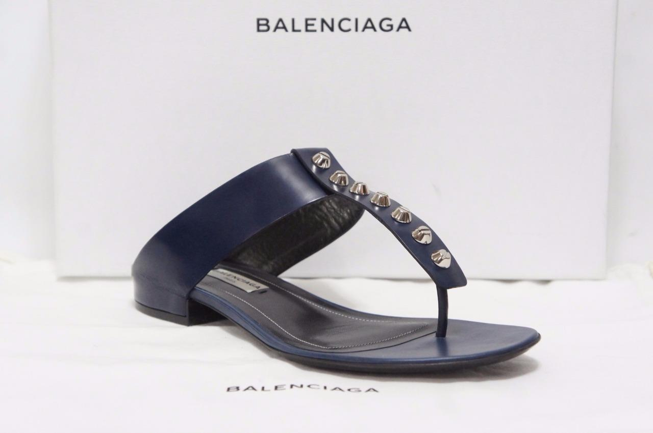 BALENCIAGA CLASSIC SCREW STUDDED T-STRAP LEATHER FLAT SANDALS SHOES 36/6 $665