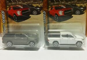 Majorette-Set-Toyota-Hilux-Revo-Pick-Up-Cap-White-amp-Grey-1-58-Free-Display-Box